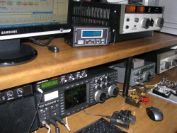 M0RSJ station Amateur Radio TENTEC
